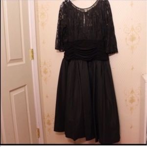 SLNY (David's Bridal) Size 16W